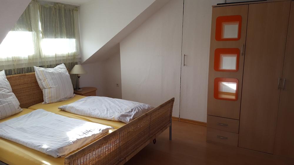 Apartments Bahri