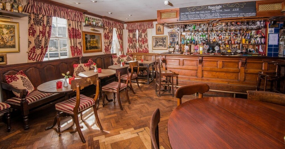 Gallery image of The Greyhound Coaching Inn
