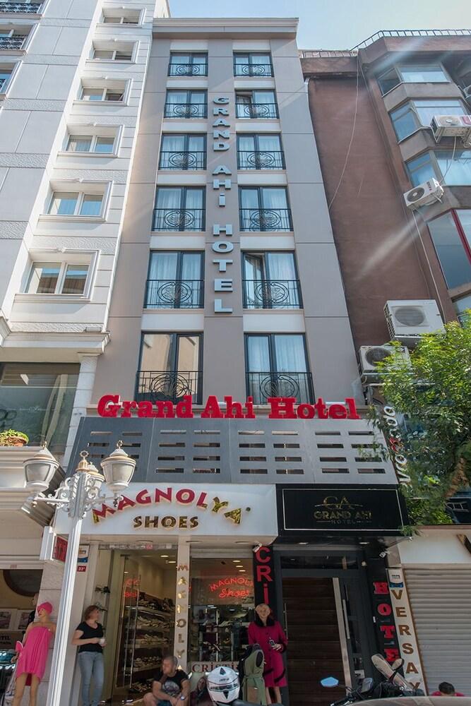 Grand Ahi Hotel