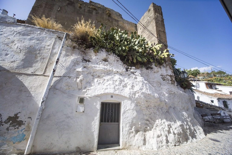 Cueva de la Muralla Sacromonte
