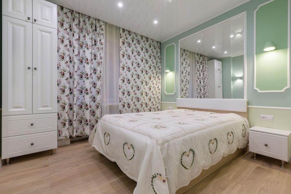 Feelathome Apartments Nevsky