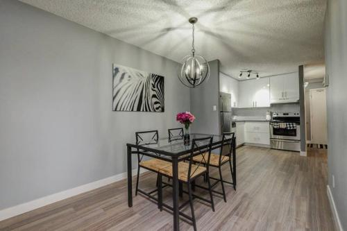 Calgary SW 14 Ave Apartment