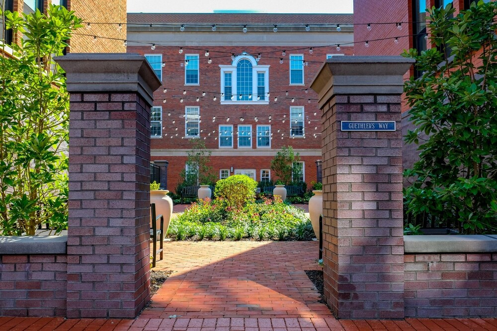 Capitol Hill Four Bedroom TownHouse