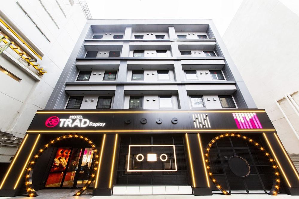 Hotel Trad Replay