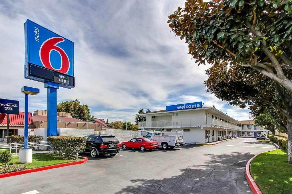 Motel 6 Santa Clara