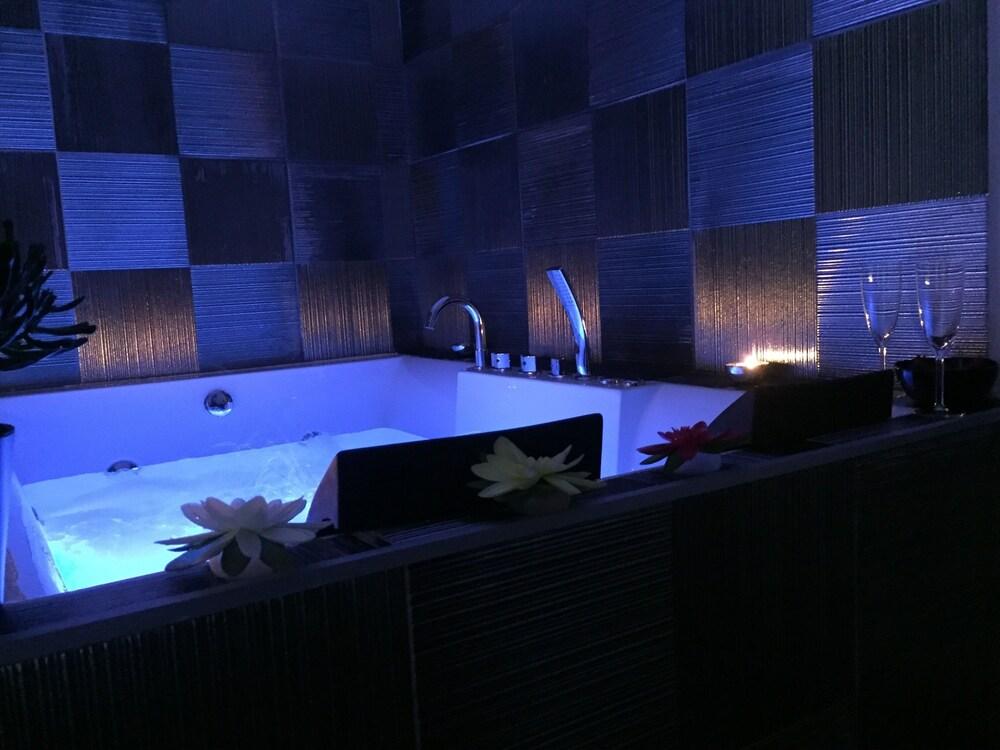 Barbarella Suite