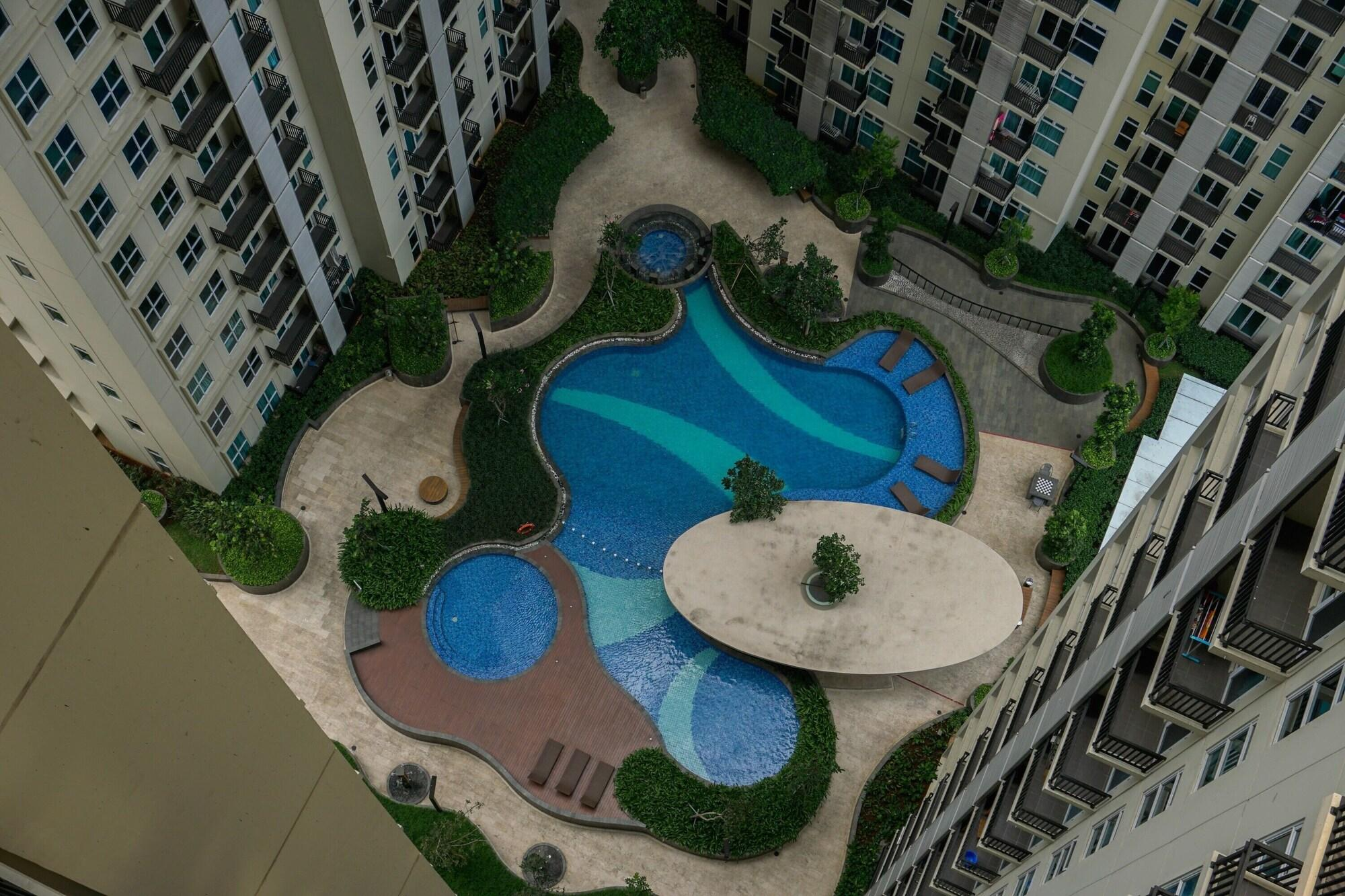 1BR Apartment Puri Orchard Cedar Heights By Travelio