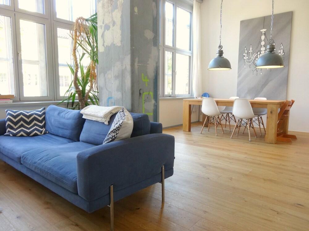 AirHosted Zurich Vacation Home Rentals