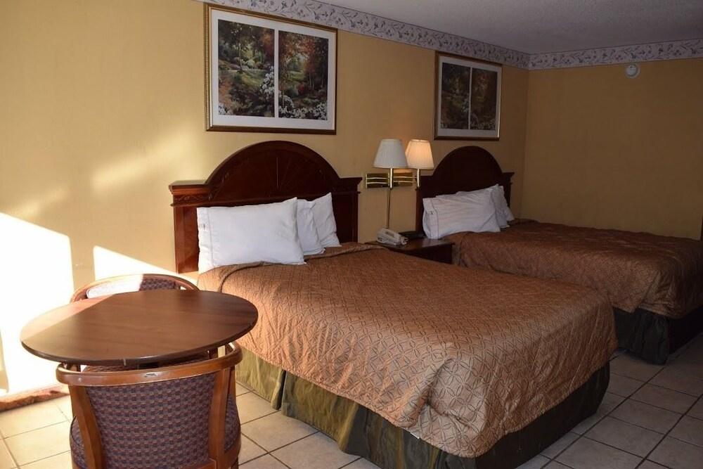 Gallery image of Selma Hotel