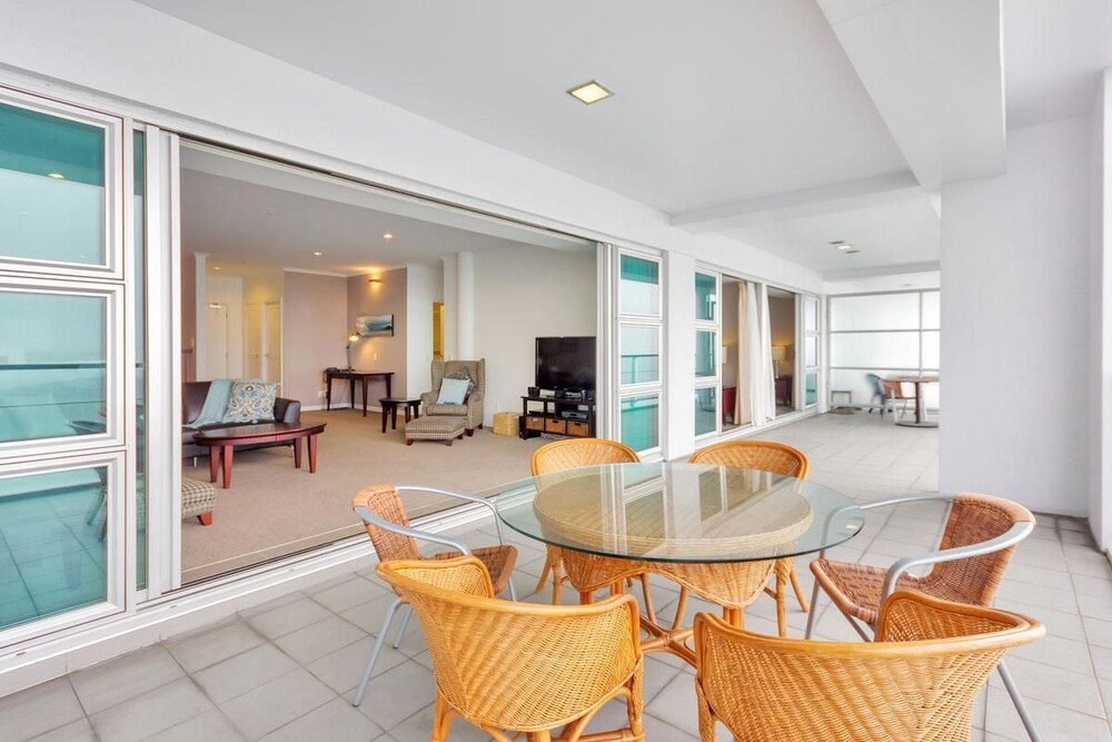 QV Charming Viaduct Harbour Apartment 787