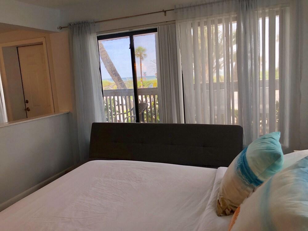 Gallery image of Sabal Palms Inn