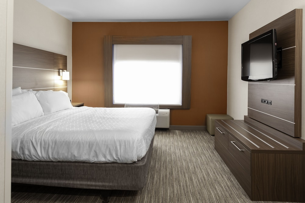 Gallery image of Holiday Inn Express & Suites Interstate 90