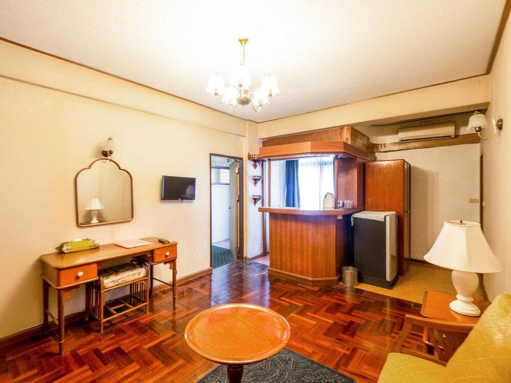 Gallery image of OYO 870 Jim s lodge hotel