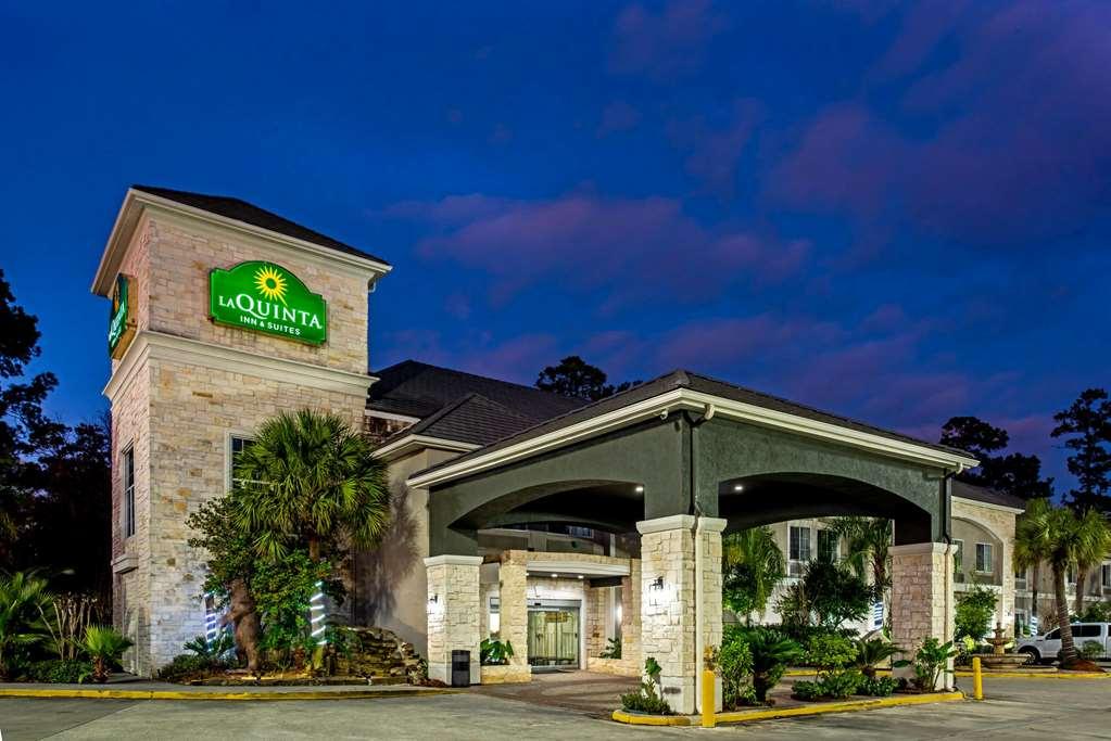 Gallery image of La Quinta Inn & Suites by Wyndham Kingwood Houston IAH Airpt