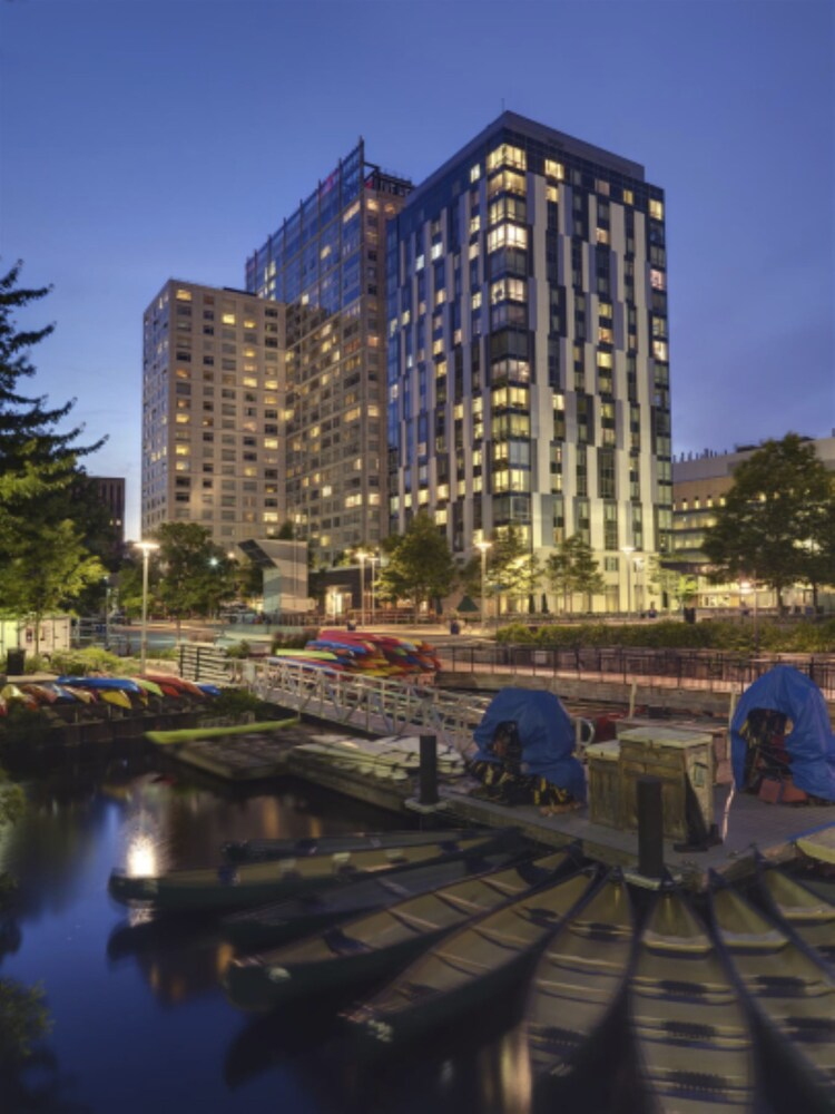Global Luxury Suites At Kendall East