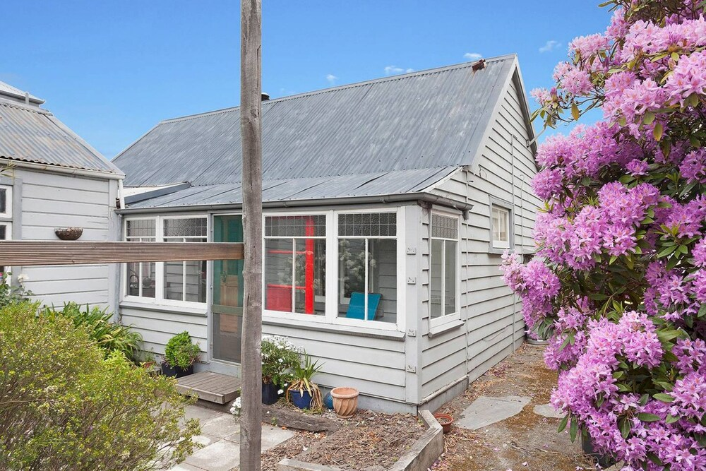 Central Christchurch Cottage