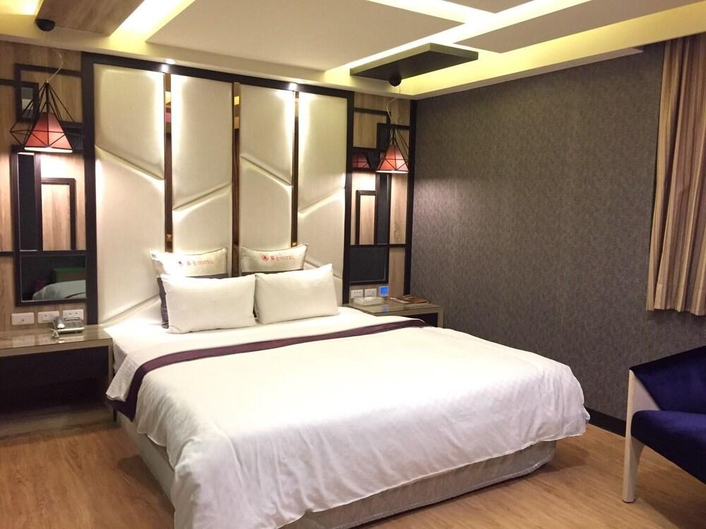 Benz Hotel