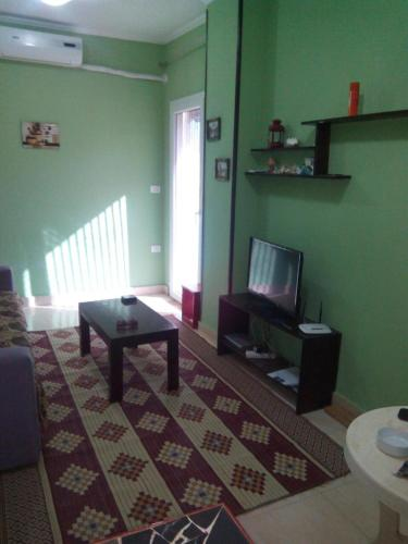Flat in complex with swimming pool free beach