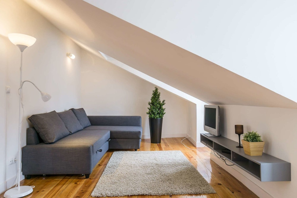 Comfortable and Trendy Lisbon Apartment