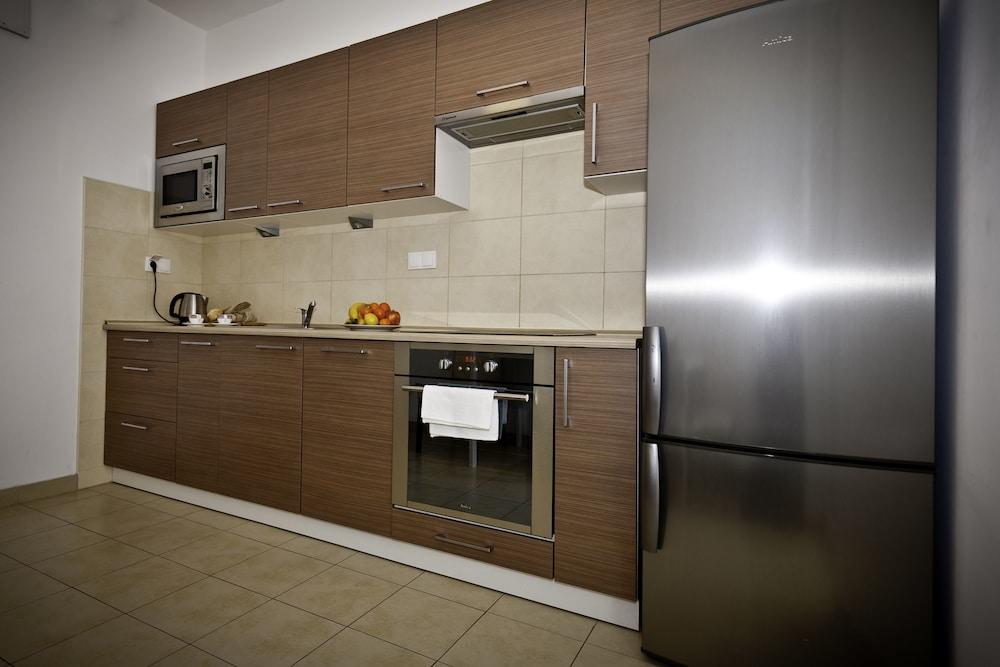 Gallery image of Senator Warsaw Apartments