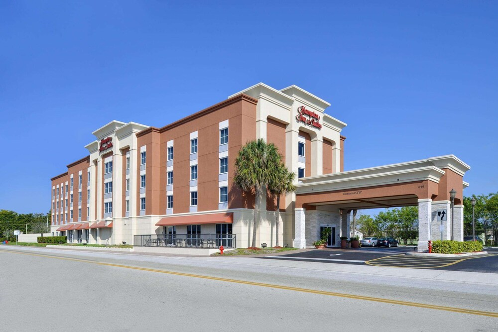 Gallery image of Hampton Inn & Suites Cape Coral Fort Myers Area FL