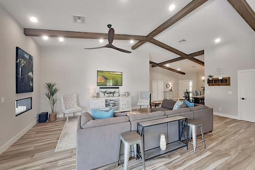 Brand new Desert W Private Backyard Oasis 3 Bedroom Home