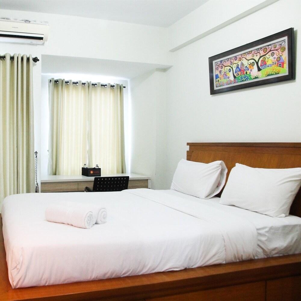 Relaxing Studio Grand Dhika City Apt By Travelio
