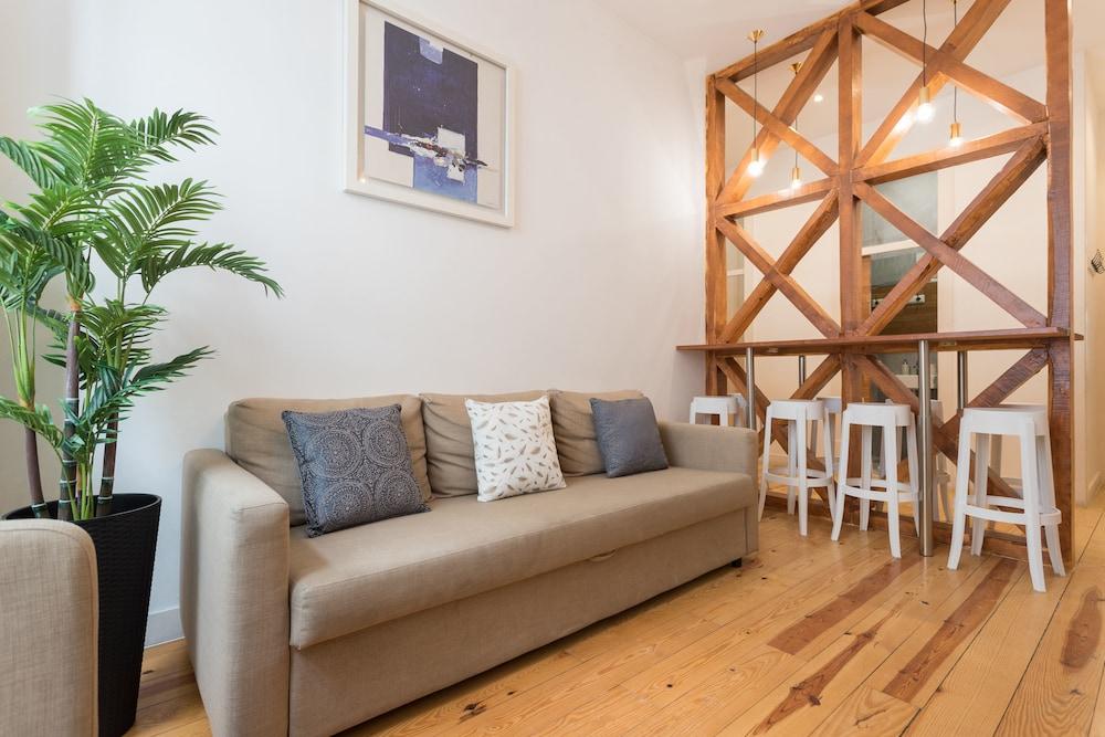 Baixa Modern Three Bedroom Apartment by LU Holidays