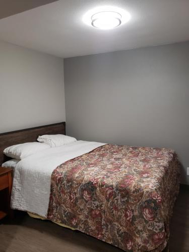 Parkrose Inn and Suites