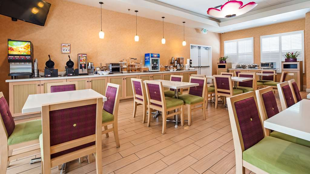Gallery image of Best Western Plus Capitola By the sea Inn & Suites