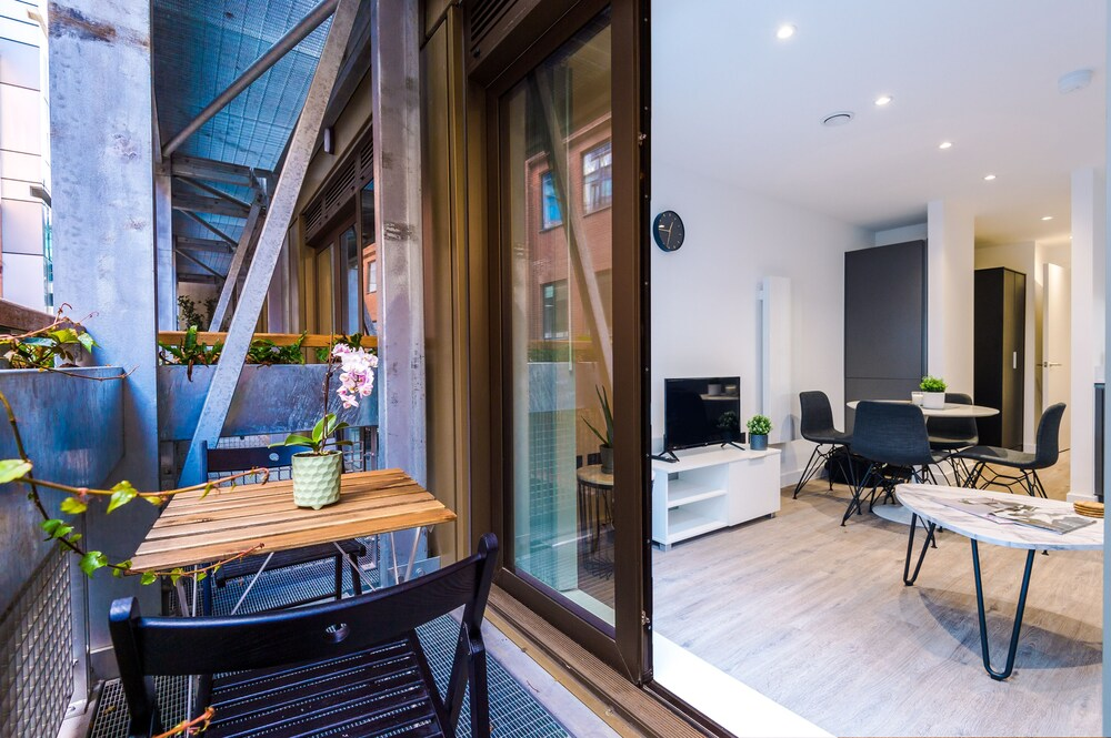 Hilltop Serviced Apartments Piccadilly