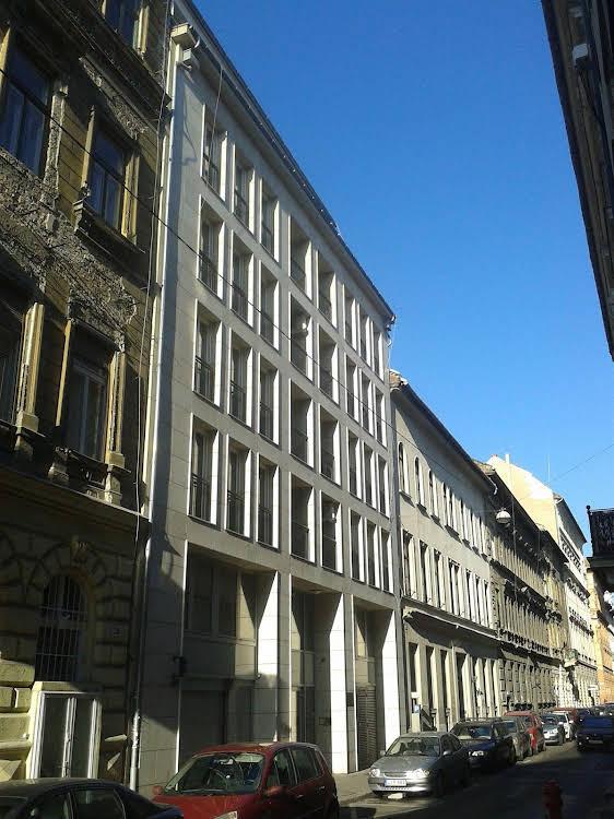 Bphome Apartments