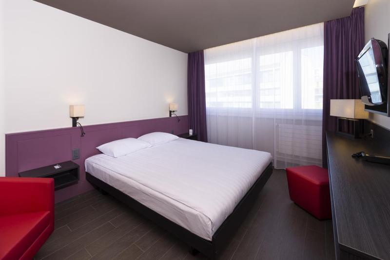 Les Nations (لس ناشنس) Room