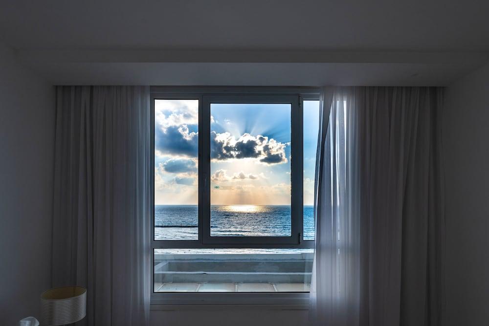 Sea Hotel