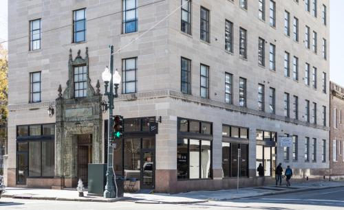 Chic 1BR in Arts Warehouse District by Sonder
