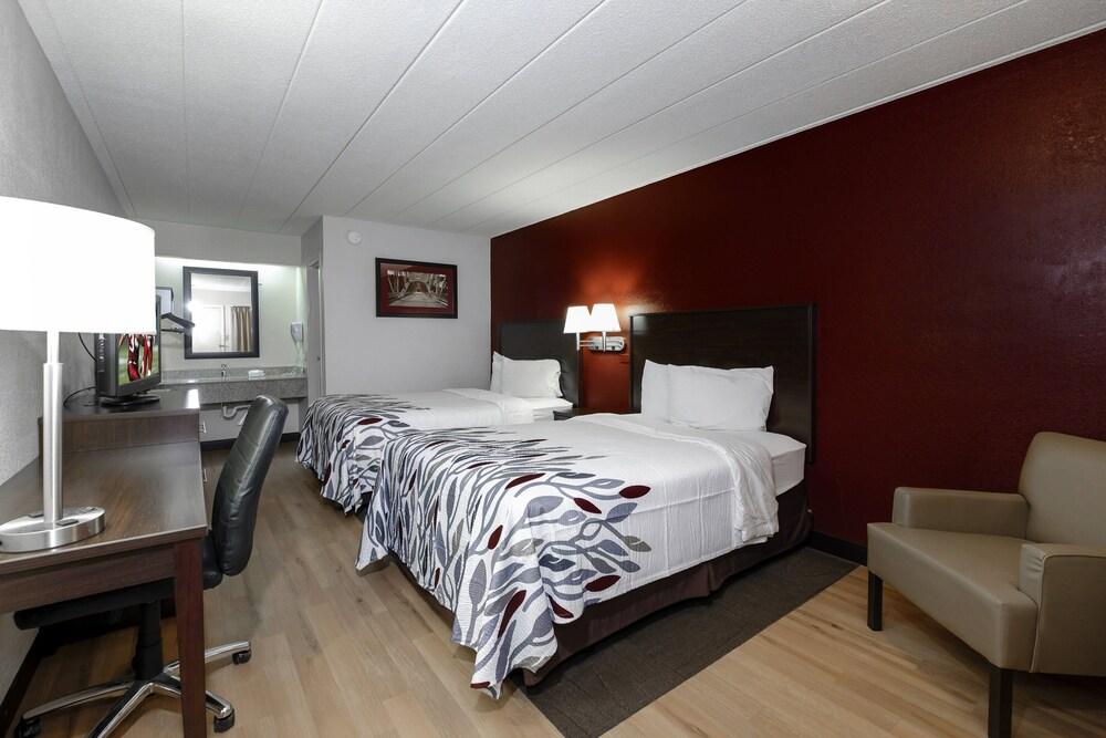 Gallery image of Red Roof Inn Bloomington Normal University