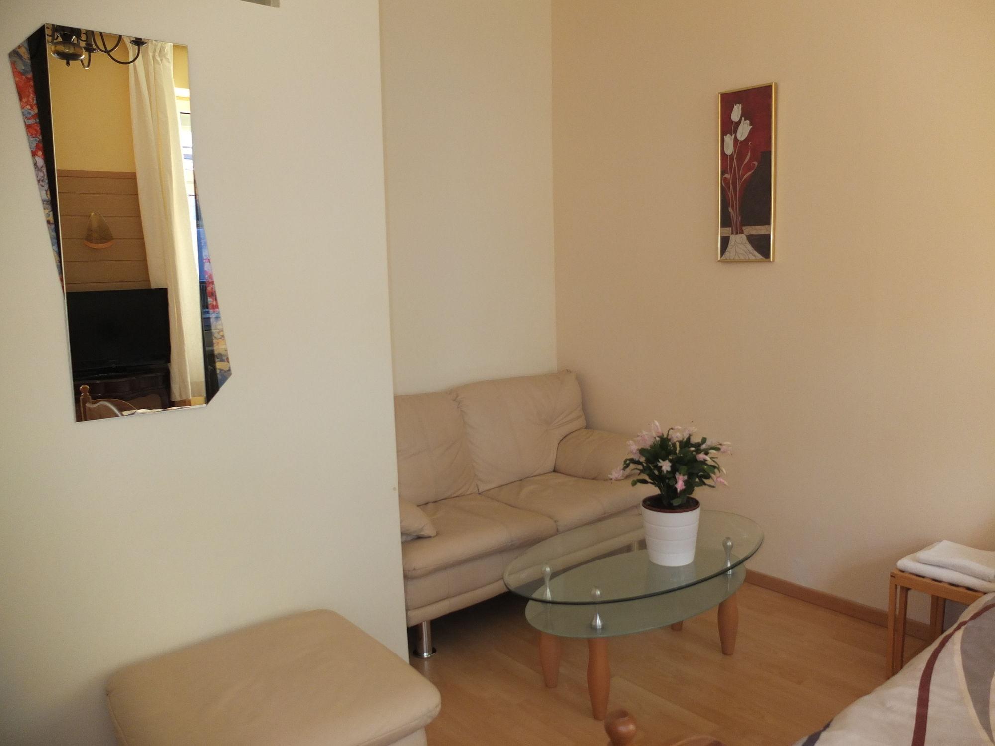 Leopoldauer Apartment (لئوپولداور آپارتمان)