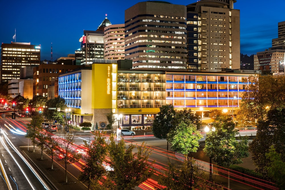 Staypineapple Hotel Rose Downtown Portland