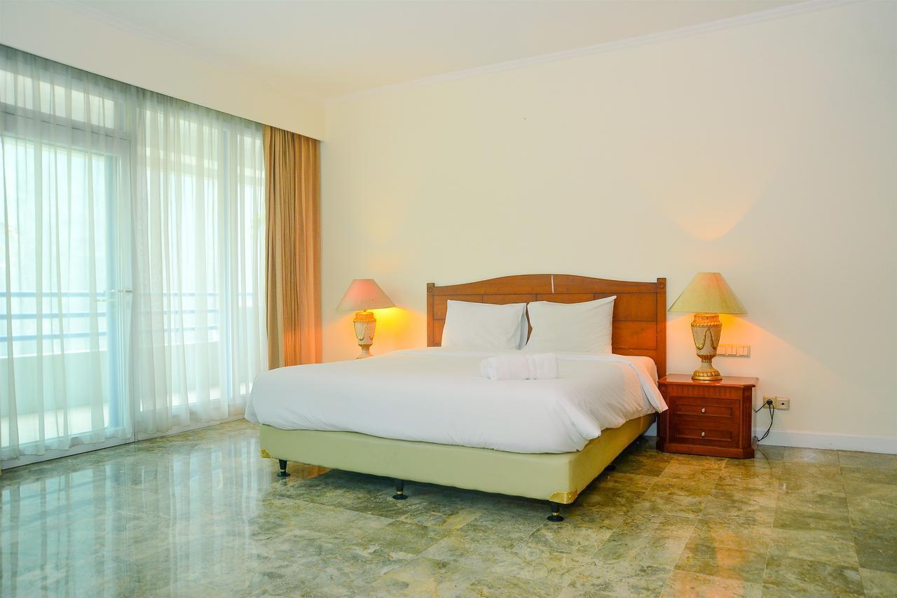 Spacious 3BR Prapanca Apartment near Lippo Mall Kemang By Travelio