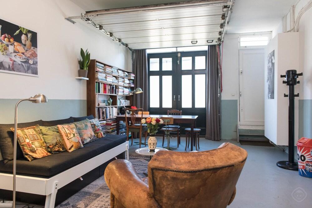 Authentic West Apartment