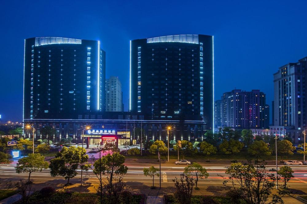 Jun Sun Hotel