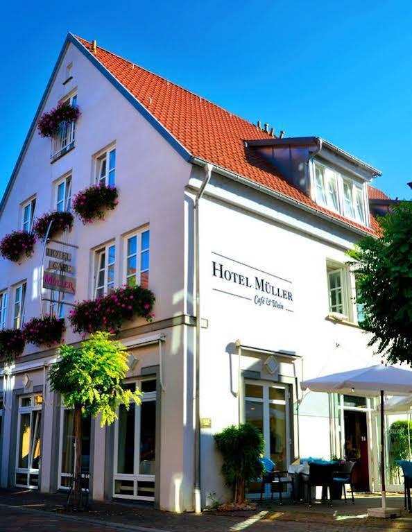 Hotel Muller Cafe & Wein