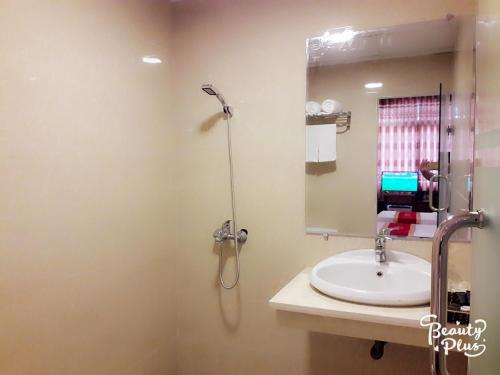 Gallery image of Canh Hung Hotel