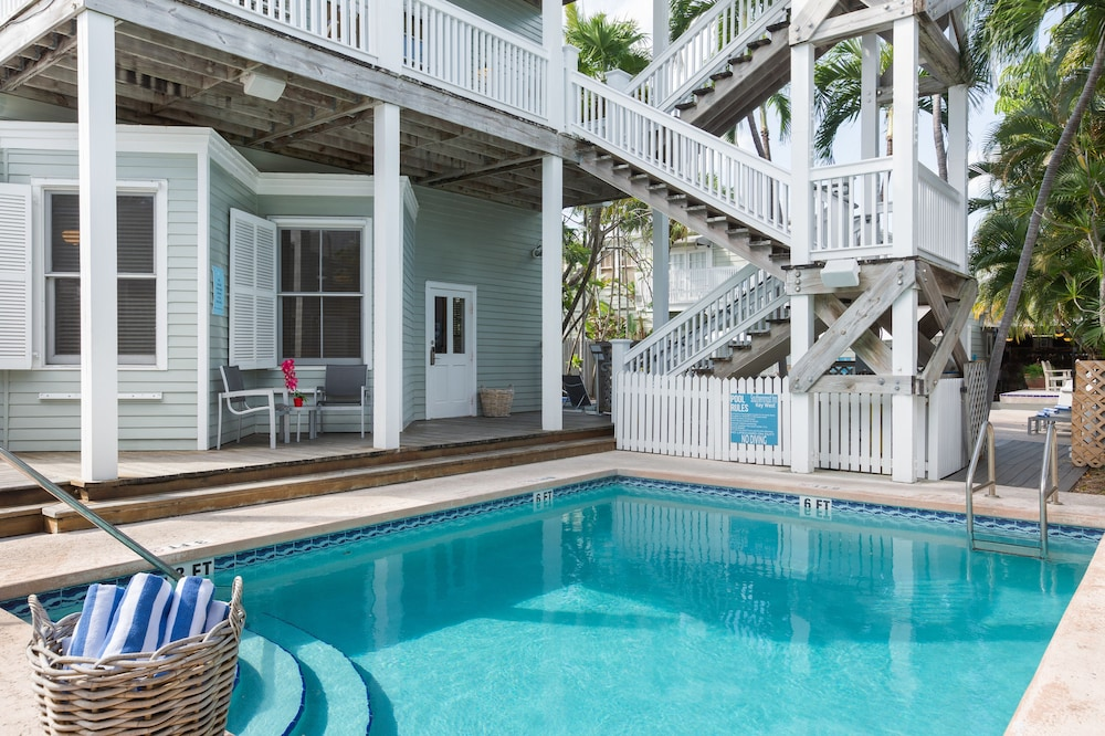 Gallery image of The Southernmost Inn Adults Only