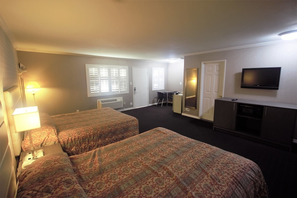 Alpha Inn & Suites