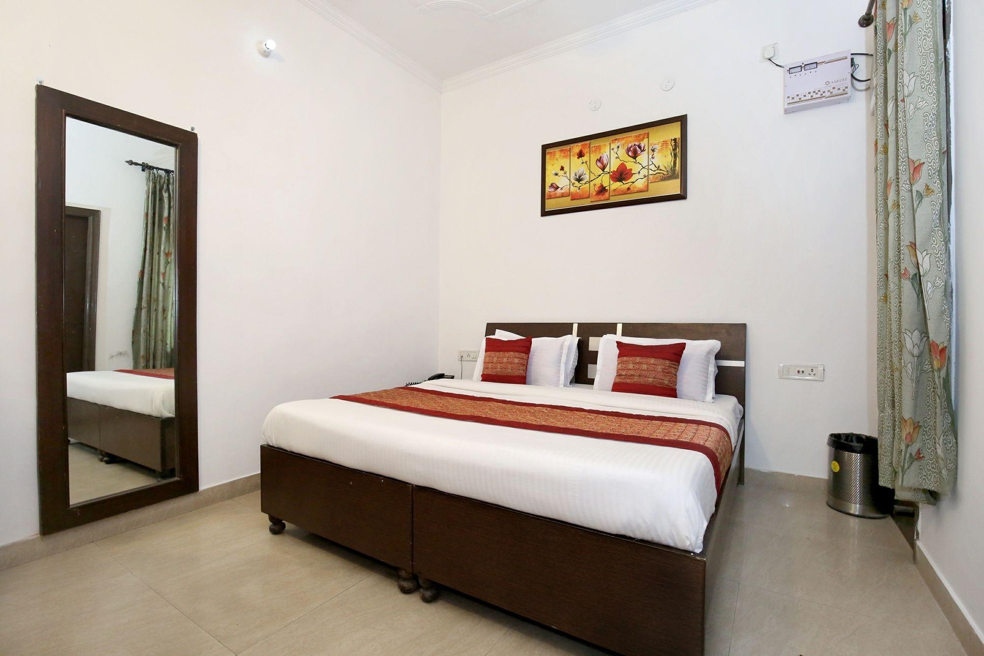 Gallery image of OYO 9657 Hotel Sham Villa