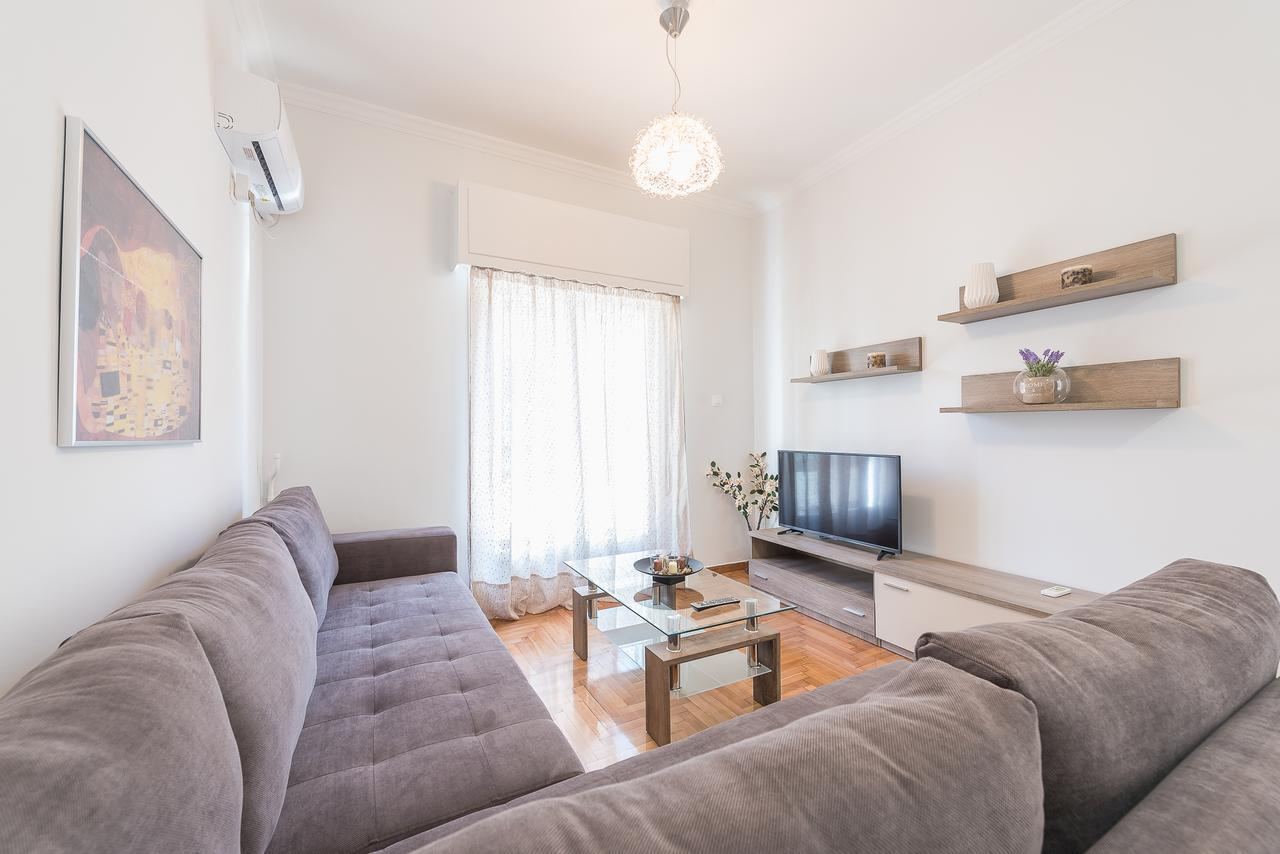Bright apt in the heart of Athens