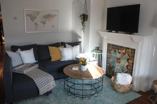 Accentuated apartment in Manayunk
