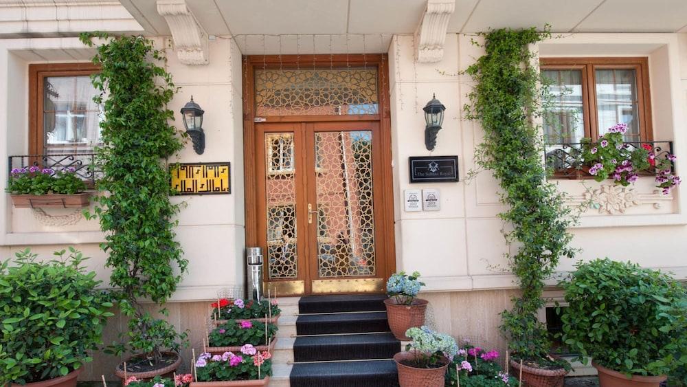 Sultans Royal Hotel