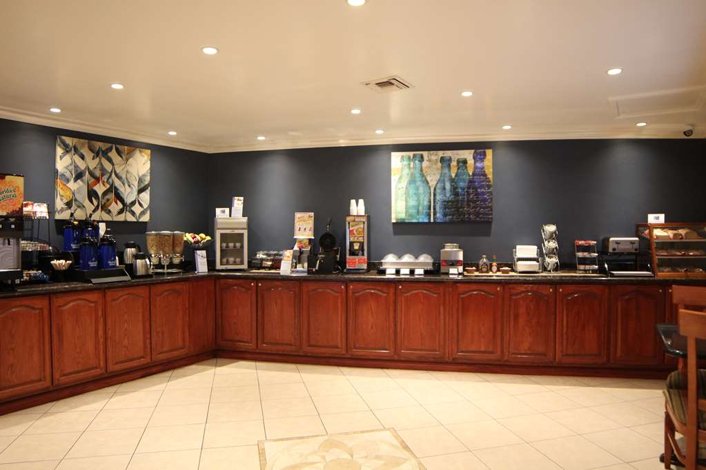 Gallery image of Best Western China Lake Inn